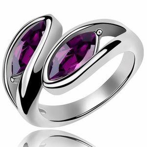 Jewelry - Silver Tone Swarovski Elements Aubergine Ring